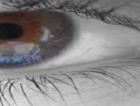 Las lentillas cosméticas que se utilizan en carnaval pueden causar daños irreversibles en los ojos