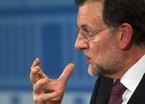 Fitch vuelve a golpear a España: nos deja en el 'aprobado raspado'