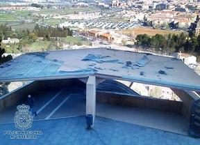 Detenidos cuando intentaban robar ¡el techo de las escaleras mecánicas de Toledo!