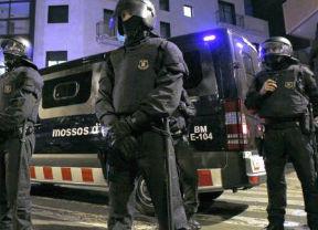 Sindicatos de Mossos d'Esquadra se desmarcan del 'Viva España' que cantaron algunos agentes a Mas