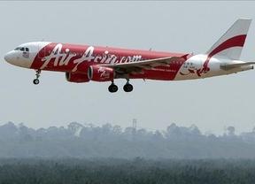 Se pierde el contacto con un avión de AirAsia que volaba de Indonesia a Singapur