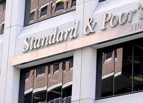 Standard & Poor's da una 'estocada' a diez entidades financieras españolas