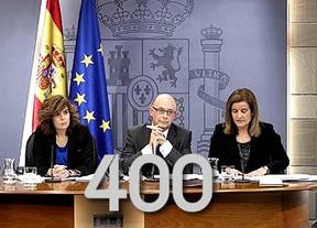 Cumbre en Moncloa para salvar los 400 euros para los parados de larga duración... y el cuello del Gobierno