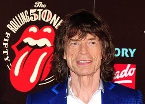 Mick Jagger saca la lengua a la edad: cumple sus primeros 70 años en plena forma