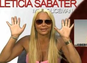 Leticia Sabater explica por qué enseña sólo un pecho en su vídeo 'Mr. Policeman'