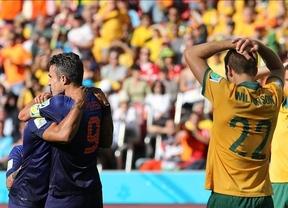 Holanda remonta ante Australia y ya tiene un pie en octavos (3-2)