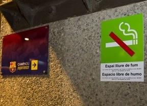 Malos humos: se siguió fumando en el Camp Nou pese a la prohibición