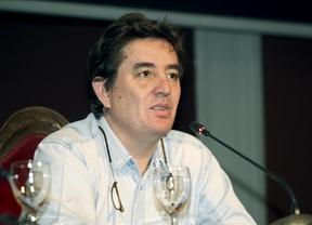 De los versos...¿al Gobierno?: el poeta Luis García Montero podría sustituir a Tania Sánchez liderando la lista de IU-Madrid