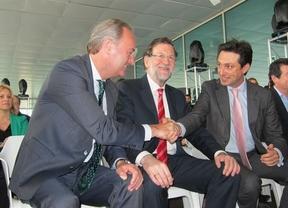 Rajoy tira de ironía en Valencia: el PP es 'el único que comete errores pero bueno, somos como somos'
