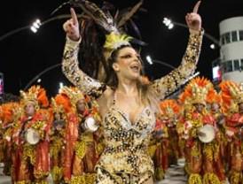 Garotas de Río de Janeiro resaltaron sus encantos