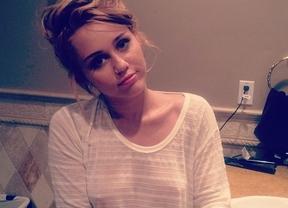 Miley Cyrus sube una foto provocativa más: ahora, marcando pezones