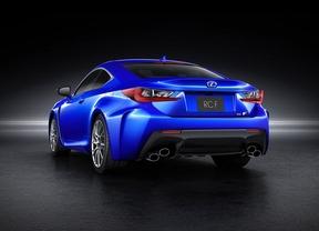 Lexus utiliza elementos de fibra de carbono en el nuevo RC F