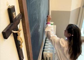 Los centros educativos de Castilla-La Mancha seguirán impartiendo hora y media de religión