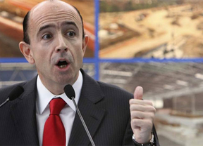 Políticos de ida y vuelta: el ex consejero de Sanidad Manuel Lamela (imputado) se lleva la privatización del hospital de Melilla