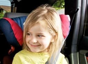 Llevar a los niños en sus sillas con el abrigo puesto afecta negativamente a su seguridad