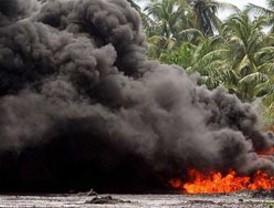 Ataque a oleoducto colombiano afecta aguas venezolanas