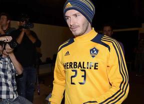 El ya casi exfutbolista Beckham ficha por el París Saint Germain... para vender camisetas, se supone