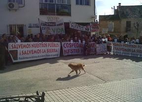 Hiendelaencina (Guadalajara) vuelve a concentrarse contra el cierre de las urgencias nocturnas