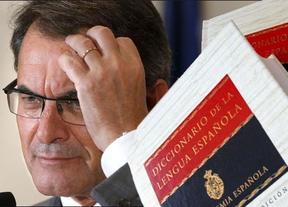 La RAE 'dedica' su nuevo diccionario a Artur Mas: identifica consulta popular con referéndum y acota la soberanía