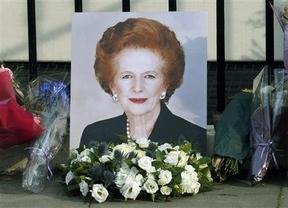 Margaret Thatcher: todo buenas palabras, incluso de 'progresistas' como Obama, Hollande...