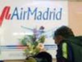 Pasajeros de Air Madrid copan aeropuertos de Madrid y Barcelona