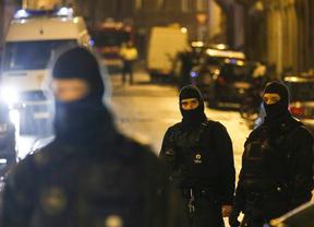 Bélgica a la caza del yihadista con una decena de redadas para evitar un atentado