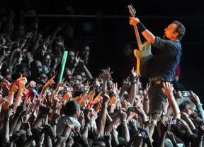 Puro Springsteen y a tope en Gijón: tremenda descarga de rock y guiños al 15-M