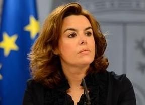 El Gobierno se desploma; Soraya resiste