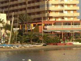El número de viajeros en apartamentos turísticos de la Región desciende en 1.831 en 2010 con respecto al anterior