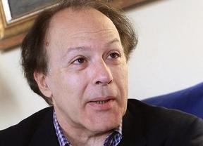 Javier Marías rechaza el Premio Nacional de Narrativa 'para no ser vinculado a [ningún] partido político'