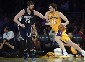 El hermano pequeño se rebela: Marc vence a Pau Gasol en el Lakers-Grizzlies (86-89)