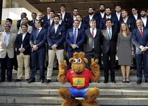 Los 'Hispanos' no quieren petardos mundiales como el de La Roja en la defensa del título, que inician ante Bielorrusia
