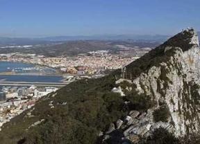 El conflicto diplomático por Gibraltar pasa a mayores: el gobierno británico llama al embajador español