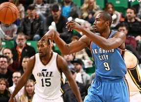Ibaka, la excepción de nuestros ÑBA en la NBA, vuelve a perder con unos pésimos Thunders