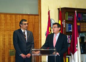 José Manuel Chicharro asume el nuevo Vicerrectorado de Docencia