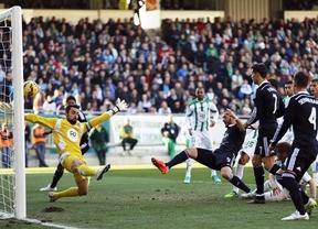 El Madrid deja muchas dudas tras imponerse al Córdoba por la mínima (1-2) y sufrir la expulsión de Ronaldo
