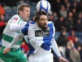 Gana Blackburn y aún sueña con los puestos de copas europeas