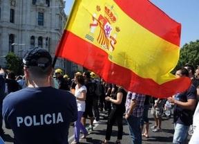 Sectores de funcionarios amenazan con parar España en septiembre con un paro de un mes