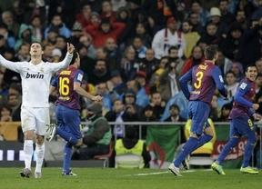 Gran faena y salida a hombros del Barça en el Bernabéu ante un Madrid vulgar (1-3)