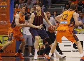 Semifinales ACB: un Barça muy superior atraca al Valencia en su feudo, le apaliza y le roba el factor pista (58-77)