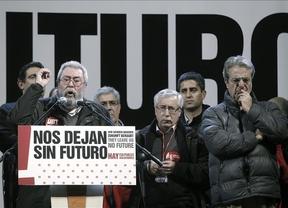 Los sindicatos exigen al Gobierno rectificar en los recortes y reivindican el