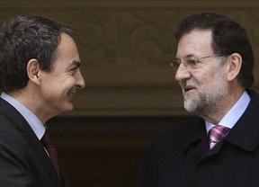 Zapatero y Rajoy, último encuentro con los actuales roles en el Palacio de la Moncloa
