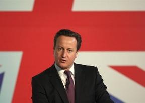 Rajoy no suelta prenda de la reunión con Cameron, pero asegura final feliz