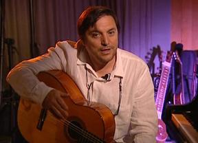 Paco Ortega crea la 'guitarra del siglo XXI', que será fabricada por lutieres españoles