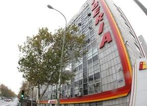 Iberia comunicará este martes a todos los sindicatos su plan de despidos