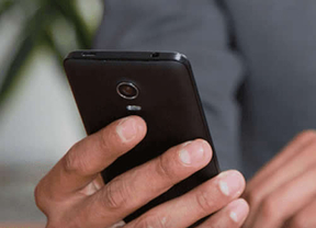 Blackphone, el 'smartphone' que cuida de la privacidad del usuario, comienza a llegar a sus compradores