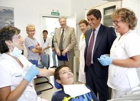 El consejero de Sanidad inaugura un centro de salud en Cuenca que