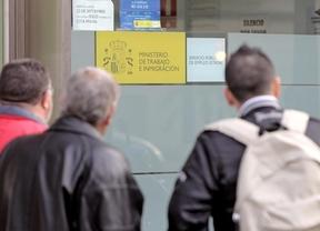 Escándalo por el '2x1' para los parados madrileños: cobrar el desempleo a cambio de hacer trabajo social