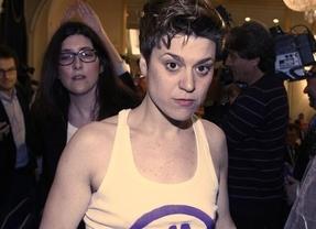 Un grupo feminista distinto a Femen interrumpe un acto con el ministro Alonso al grito