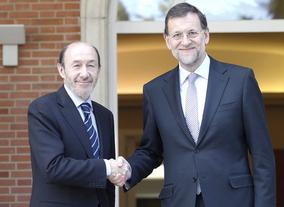 El rey llamó a Rubalcaba y Rajoy antes del debate para que rebajaran la tensión